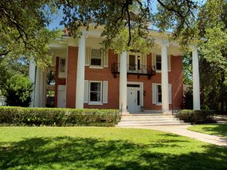 The Gonzales Mansion! - Gonzales vacation rentals