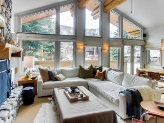 Beautiful mountain getaway located right by the ski lifts! - Ketchum vacation rentals