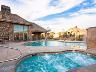 Be amazed with this conveniently located vacation home in St George, Utah. - Saint George vacation rentals