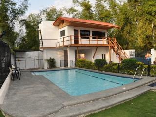 Apartment Parrot Resort Moalboal - Moalboal vacation rentals