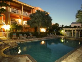 LaCasa Costiera #12, Gulf Side 3 BR/2.5 BA - Holmes Beach vacation rentals