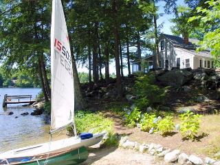 Private & Charming Waterfront Cottage on Lake Winnipesaukee (PRI26W) - Moultonborough vacation rentals