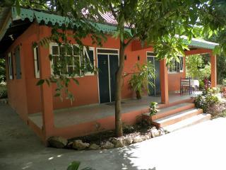 Bungalow hotel lakou breda # 2 - Haiti vacation rentals
