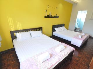 Cornered 2 storey terrace house - Petaling Jaya vacation rentals