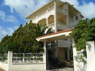 Villa vista mare con giardino privato - Licata vacation rentals