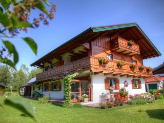 380 Sqft Vacation Apartment Inzell - well kept personell alpine horses - Traunstein vacation rentals