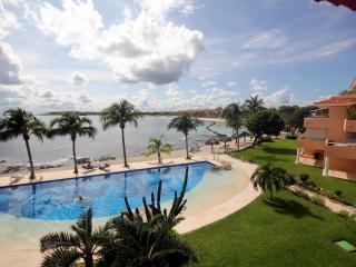 2 BR FAB VIEWS 2 POOLS BBQ WIFI 7TH NIGHT FREE!!! - Puerto Aventuras vacation rentals