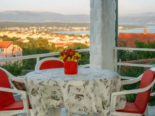 Apartment Kremenic with sea view ,A/C,WiFi - Malinska vacation rentals