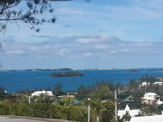 Studio with Breathtaking Views - Southampton - Bermuda vacation rentals