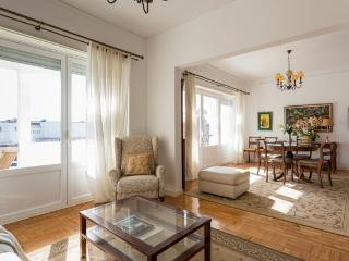 Carcavelos - Holiday Beach Apartment - Carcavelos vacation rentals