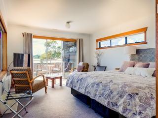 Ulverstone  Boutique Accommodation Coast 2 Canyon - Ulverstone vacation rentals