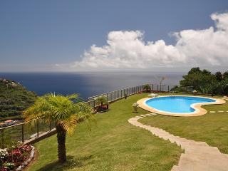 Calheta Sunset - Free WIFI & TV 110 channels - Estreito da Calheta vacation rentals