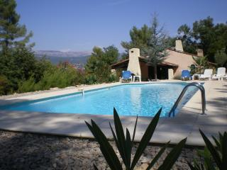 Fayence Var Sleeps 8 - Tourrette vacation rentals