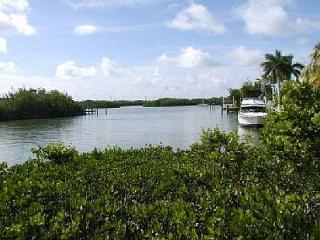 Lovely home on beautiful Coco Plum Beach with 100' of deep water dockage! - Marathon vacation rentals