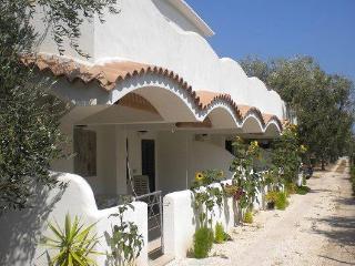 Casa Vacanza a 50 metri dal mare - Mattinata vacation rentals