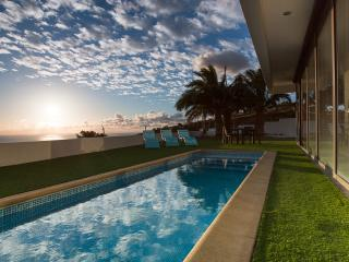 Villa Camacho - ULTRA - MODERN VILLA - Arco da Calheta vacation rentals