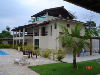 CASA COM PISCINA JD INDAIÁ 2 QUADRAS DA PRAIA - Bertioga vacation rentals