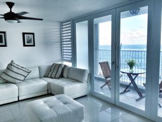 LUXURY/OCEANVIEW/BEACHFRONT/CONDADO - San Juan vacation rentals