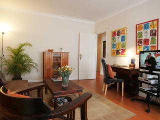 Estoril Beach & Town Holidays, 1-5 Guests, Wi-Fi - Estoril vacation rentals