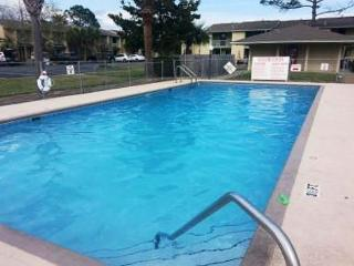 TOWNHOUSE FOR 7! GREAT AMENITIES! OPEN 5/9-5/16 - MOTHERS DAY SPECIAL 40% OFF - Panama City Beach vacation rentals