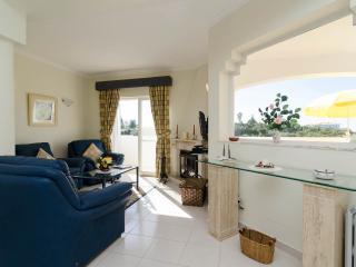 2 Bedroom Duplex Apartment Vale do Milho Carvoeiro - Carvoeiro vacation rentals