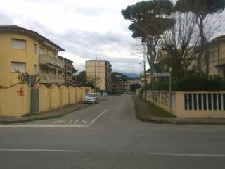 VIAREGGIO 2 - CITTA GIARDINO FLAT AL MARE 2 - Livorno vacation rentals