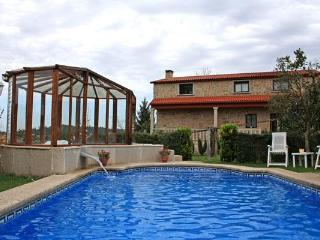 326 Countryside villa with pool and jacuzzi - Sanxenxo vacation rentals