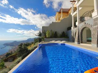 Palheiro Village Stylish 4 bedroom villa - Funchal vacation rentals