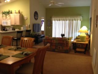 Book 7 nts add 1 nt FREE*Gated Com, 2 Master,Wifi, - Davenport vacation rentals