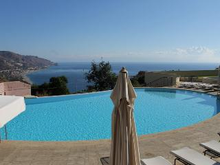 Taormina BayView Apartment - Linguaglossa vacation rentals