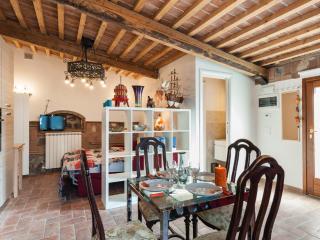 Vacation Home Tuscany Filettole - Vecchiano vacation rentals