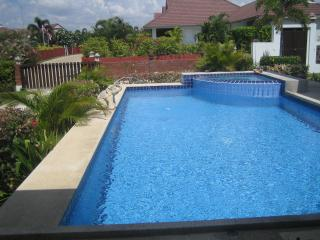 3 bedroom pool villa in quiet resort - Hua Hin vacation rentals