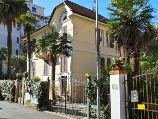 Aloe - very centrally located with parking - Rapallo vacation rentals