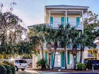 BIG BEACHOUSE FOR 13!  LOTS OF UPDATES! OOPEN 8/22-29! SUMMER SUN/FALL PRICES - Destin vacation rentals