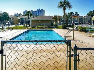 BEAUTIFUL TOWNHOUSE FOR 5! - OPEN 5/9-5/16 - MOTHERS DAY SPECIAL 40% OFF! - Panama City Beach vacation rentals
