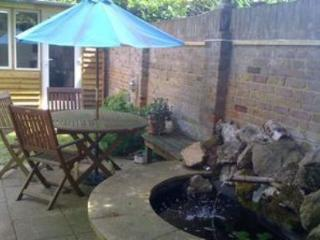 Garden Apartment in the Elms with Trampoline - London vacation rentals
