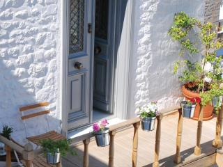 Superior Apartment in Hydra - Port Heli vacation rentals