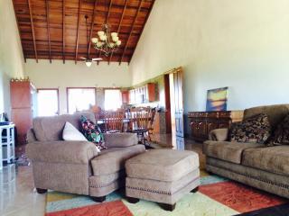 Villa Dulcinea, Spacious, Secluded, Near Beach - Island Harbour vacation rentals