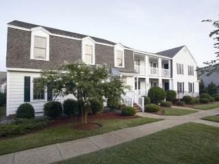 Magnificent Resort in the heart of Williamsburg - Williamsburg vacation rentals