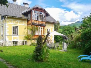 Lovely apartment in Austria with terrace and mountain views - Mandling vacation rentals