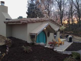 Whimsical HOBBIT HOUSE. Walk to Blue Sky Vineyard! - Makanda vacation rentals