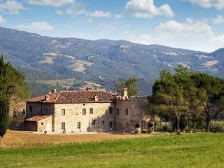 Exquisite Casale di Reschio has idyllic mountain views and luxurious furnishings - Cortona vacation rentals