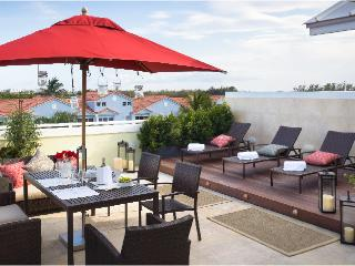 LAS CASAS 339 Hollywood Beach - 3nights for $1,800 - Hollywood vacation rentals