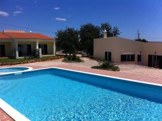 Stylish one-bedroom house in Algoz, Portugal, with air-conditioning and shared swimming pool - Algoz vacation rentals