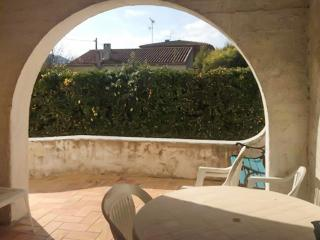 House in Saint-Cyr-sur-Mer on the French Riviera, w/ 3 bedrooms, garden & terrace, 200m from beach - Saint Cyr sur mer vacation rentals