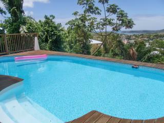 Peaceful villa in La Trinité, Martinique, with 4 bedrooms, sea-view terrace & swimming pool - Martinique vacation rentals