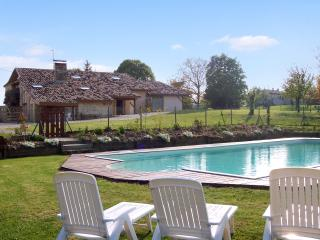 Enchanting gite in Lot-et-Garonne, Aquitaine, with garden & shared swimming pool – 15min from Duras - Agnac vacation rentals