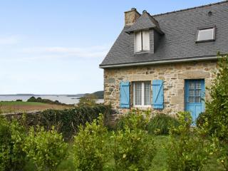 Rustic yet modern house in Brittany with 4 bedrooms, central heating, garden and sea views - Brittany vacation rentals