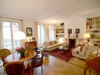 Vacation Rental in Paris Near Eiffel Tower - Paris vacation rentals