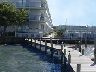 Bay View Only Steps to Beach ! Free WiFi! - Ocean City vacation rentals